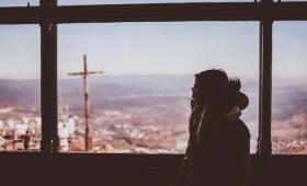 wiarygodny jest Ten, który Mnie posłał, a którego wy nie znacie