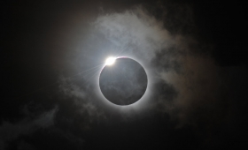 mrok ogarnął całą ziemię… Słońce się zaćmiło…