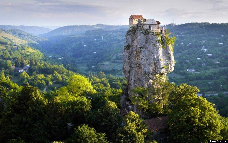 dom swój zbudował na skale…
