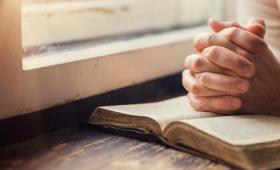 tam się modlił