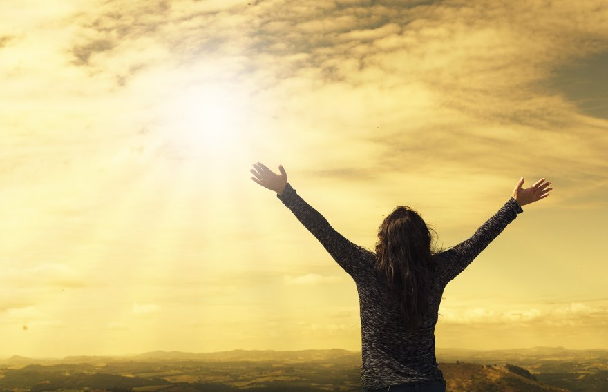 wyjdą ci, którzy dobro czynili na zmartwychwstanie życia