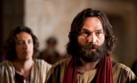 Piotr obróciwszy się zobaczył idącego za sobą ucznia
