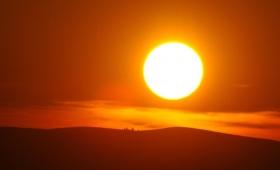 On sprawia, że słońce Jego wschodzi nad złymi i nad dobrymi
