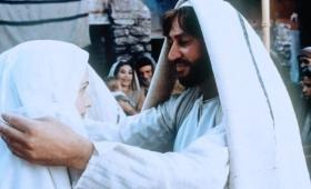 zamierzał oddalić Ją potajemnie…