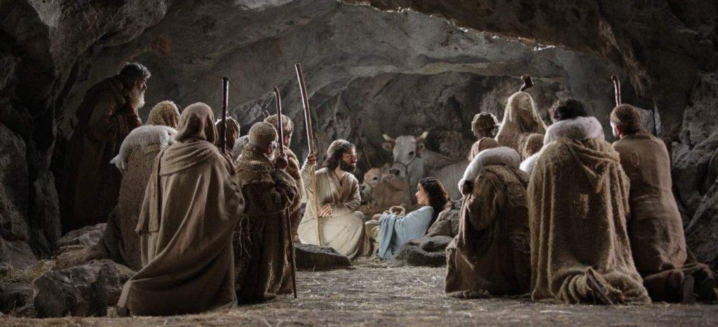 wrócili, wielbiąc i wysławiając Boga za wszystko, co słyszeli i widzieli
