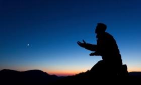 i całą noc spędził na modlitwie do Boga…