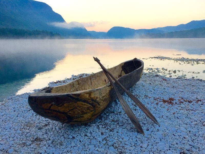 A oni natychmiast zostawili łódź i ojca i poszli za Nim